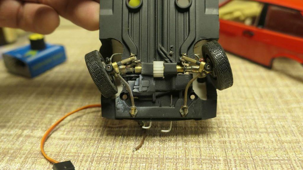 действующее рулевое для радиоуправляемой модели ВАЗ2108 рулевой механизм stearing RC-model