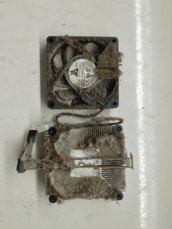 Радиатор AM3 забитый пылью кулер грязный радиатор процессора