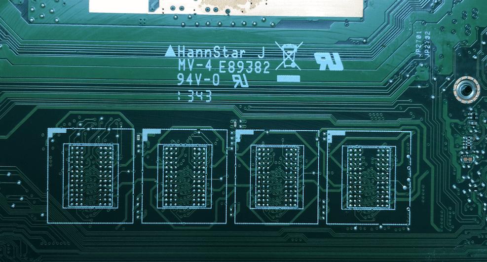 Плата X550CL после снятия нерабочей оперативной памяти