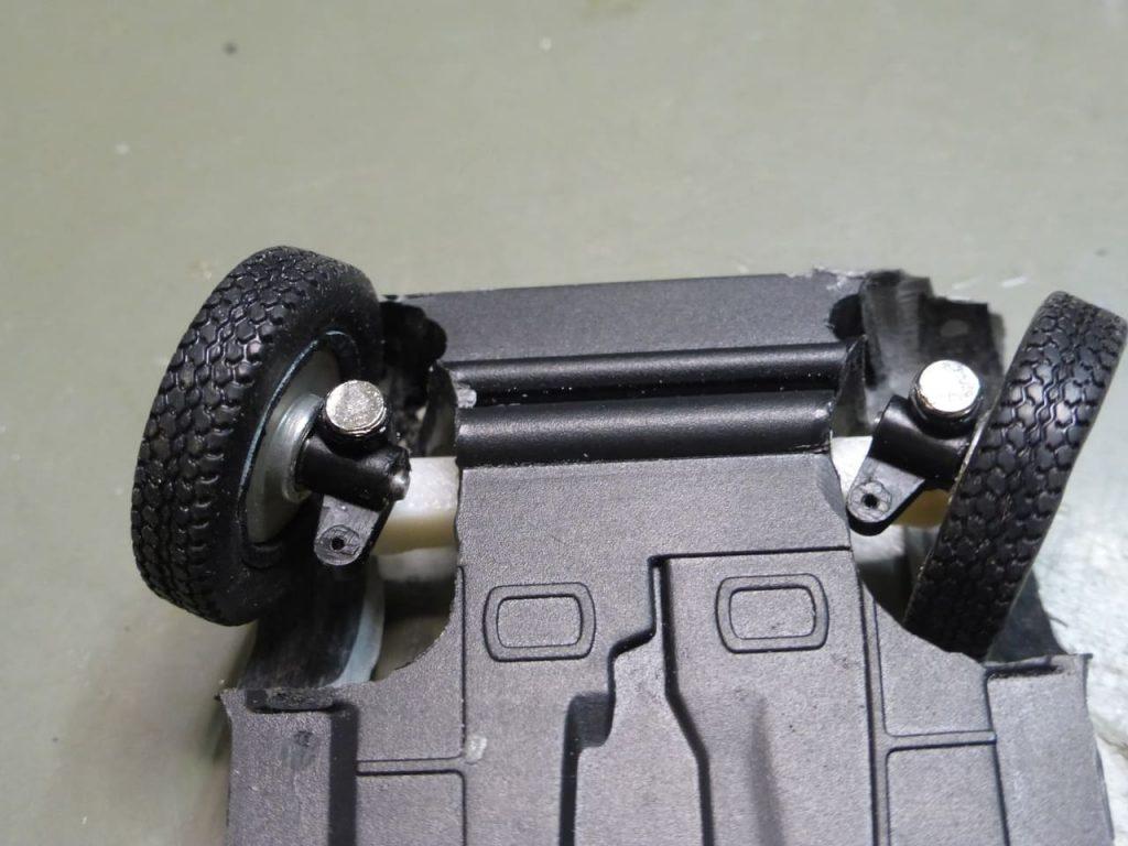 поворот передних колес модель запорожца на радиоуправлении заз 965 горбатый запорожец