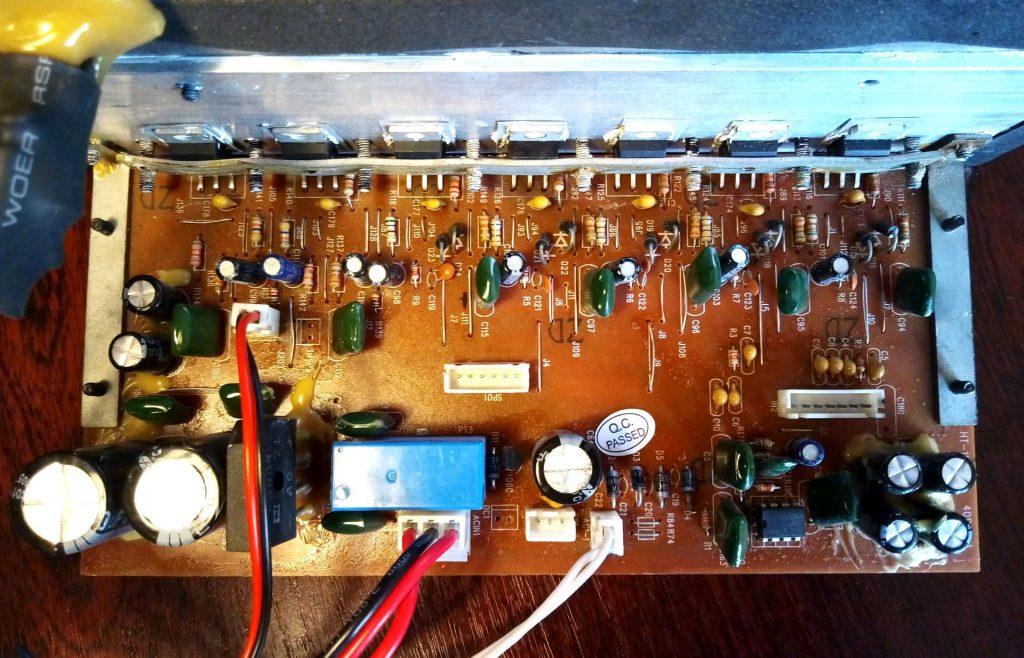 Gembird WCS-YF плата усилителя тда2030 вид со стороны деталей tda2030 amplifier