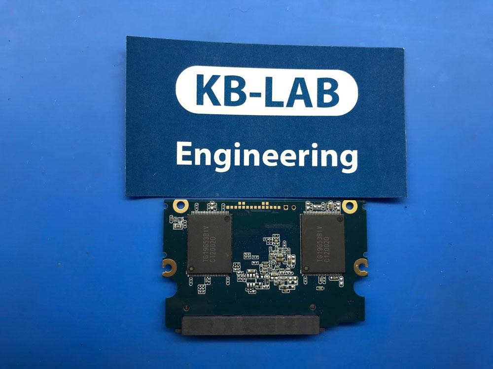 Обратная сторона платы A158011NP440001A с установленными чипами памяти TG19G53BIV от диска Silicon Power A55 256Gb